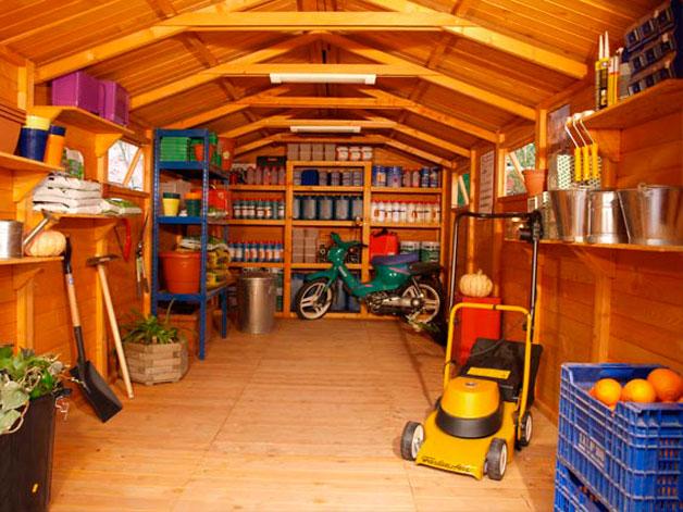 C mo decorar tu garaje casas y departamentos ecuador for Garage con deposito
